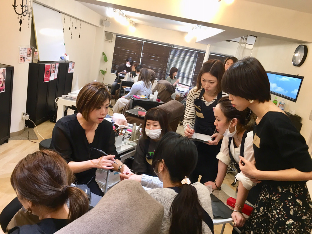長谷真弓先生によるネイルセミナー開催